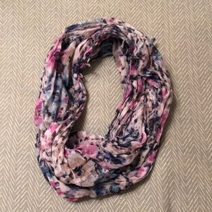 American Eagle Outfitters Accessories - American Eagle Infinity Scarf
